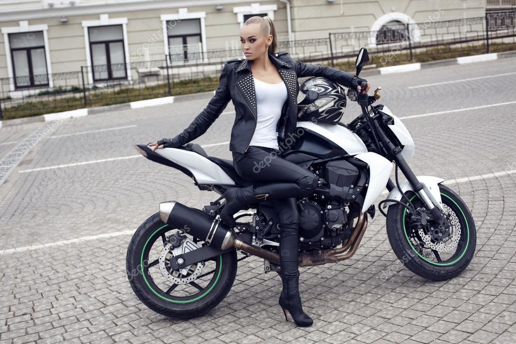 sexy-girl-motorbike