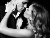 Fotografie Liebesgeschichte. schöne sexy Paar. wunderschöne blonde Frau und Mann