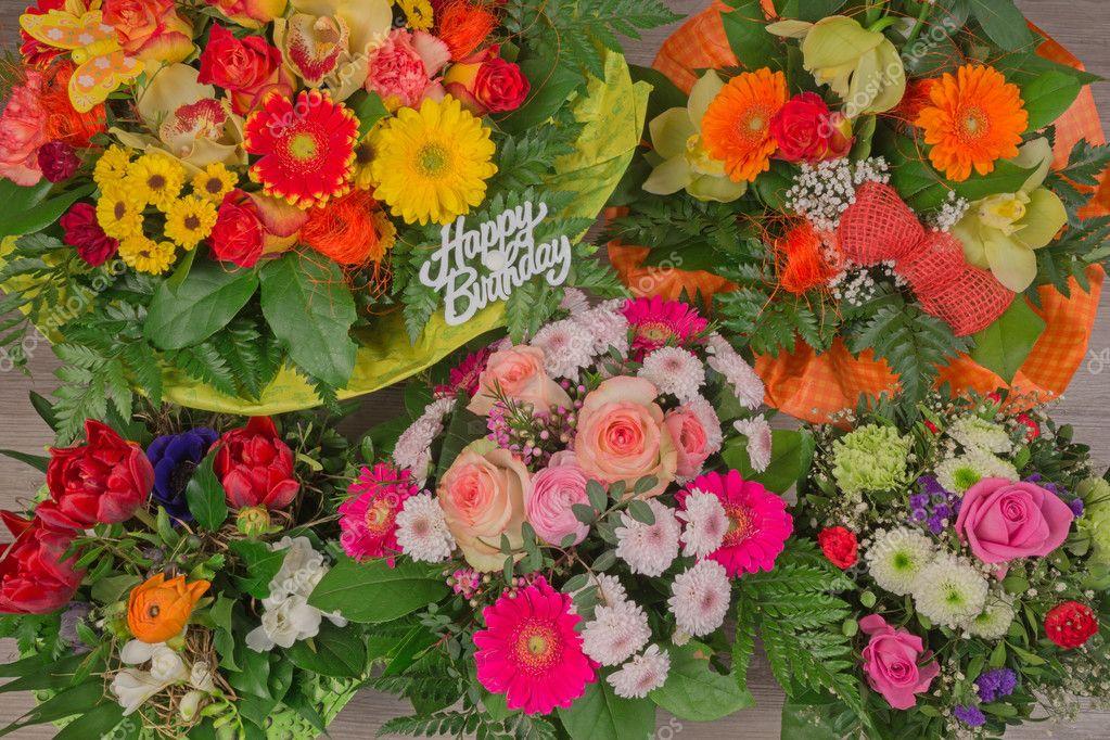 Bouquet De Fleurs Avec Texte Joyeux Anniversaire Photographie