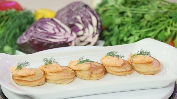 Pfannkuchen mit Lachs butter