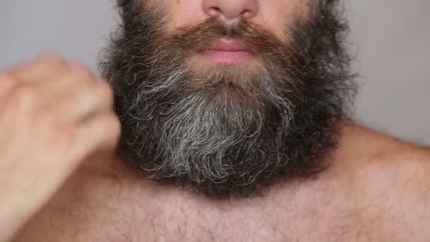 Svěží bradku a knír