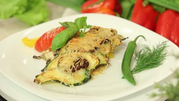 Čerstvě pečené zeleninové lasagne