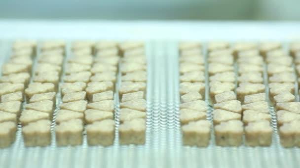 alakú, finomított cukor