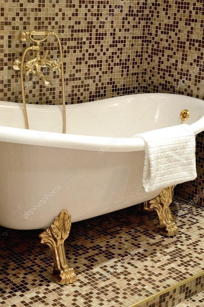 Ванная комната с позолоченными мебель для ванной монако
