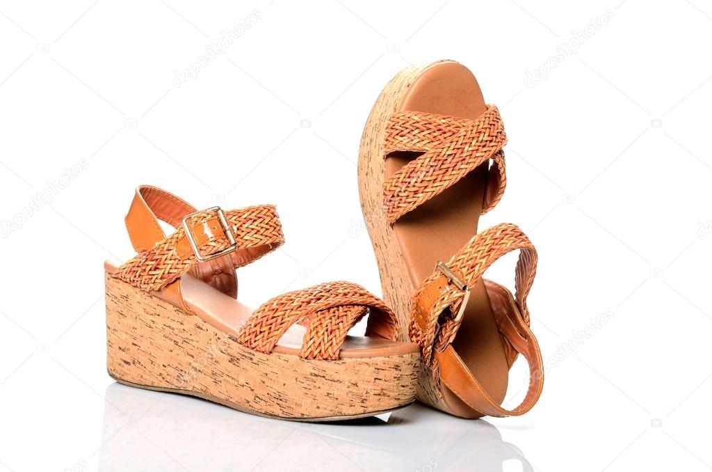 000649172ee Παπόυτσια γυναικεία καλοκαιρινά παπούτσια, σανδάλια πορτοκαλί πλατφόρμα σε  λευκό φόντο — Φωτογραφία Αρχείου