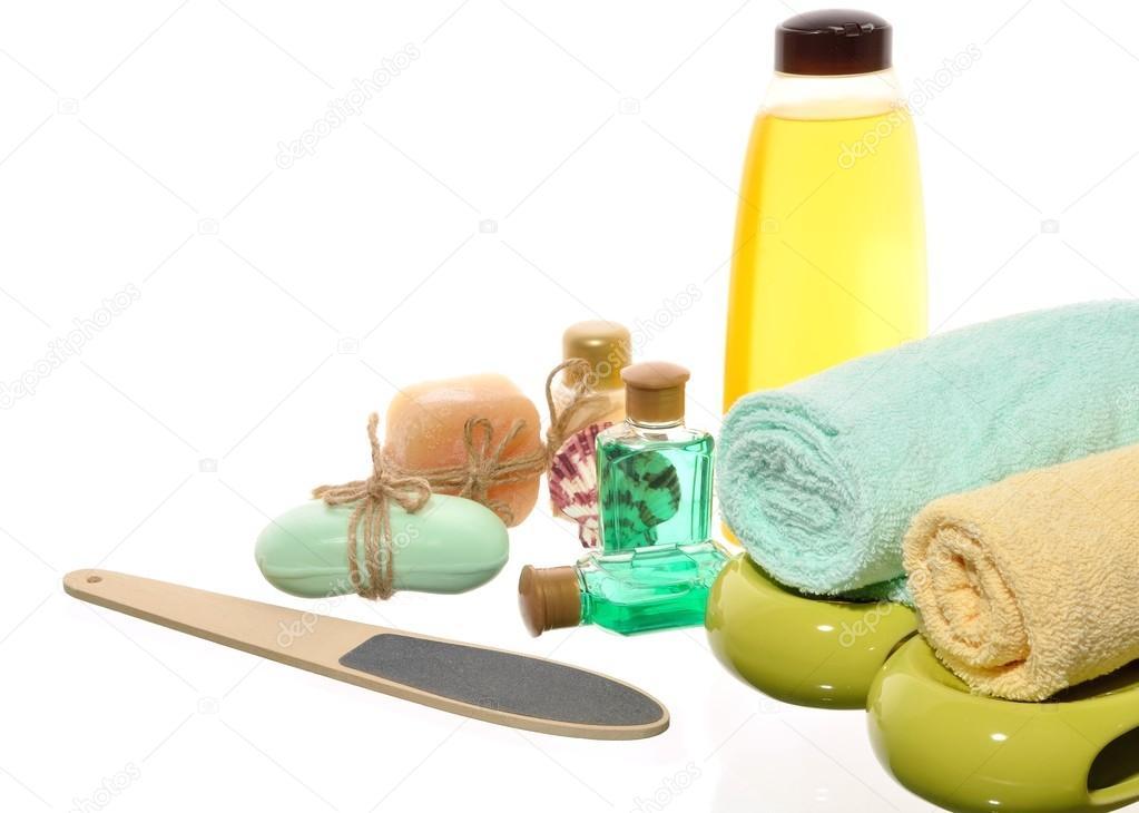 https://st2.depositphotos.com/2953923/6764/i/950/depositphotos_67648961-stock-photo-items-for-a-pedicure-in.jpg