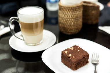 Cafe coffee latte with chocolate brownies