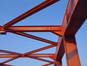 Stahlkonstruktion der Brücke