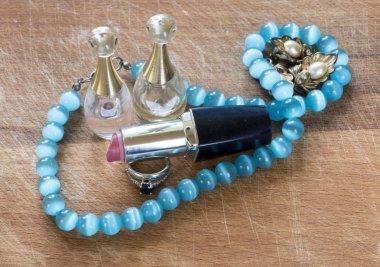 Jewelry perfume wood