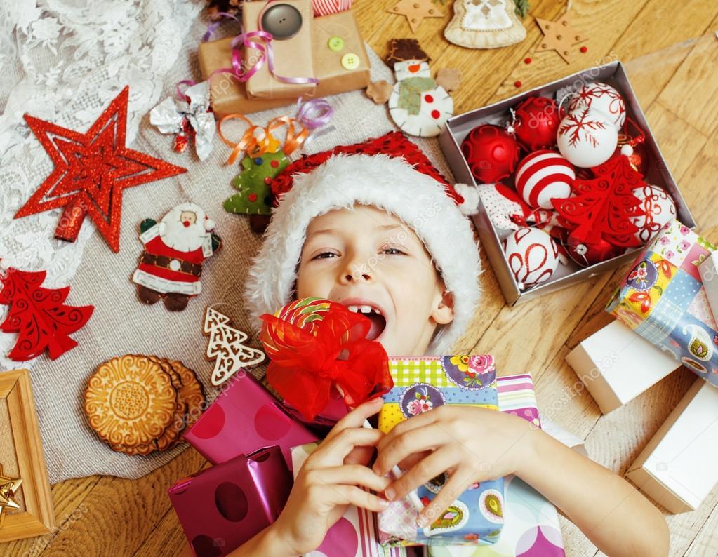 a Mikulás piros kalap kézzel készített ajándékok c5147d2d33