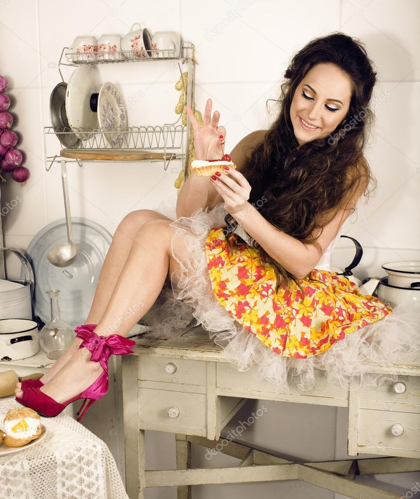 Crazy Beauty Brunette Housewife On Kitchen Cooking U2014 Stock Photo #54278939