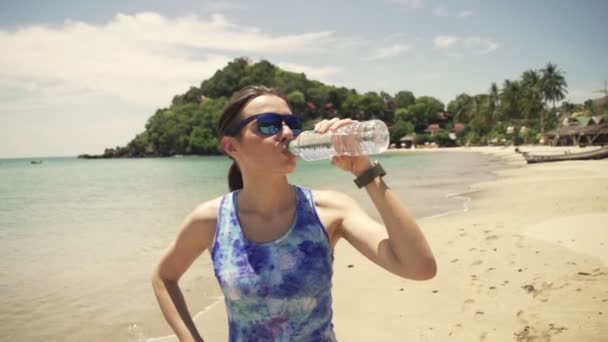 Великі сіські спортсменки пляж видео гимнасток смотреть онлайн