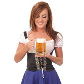 Fényképek fiatal nő gazdaság egy sört