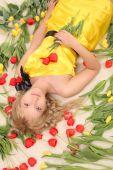 Fotografie schöne Mädchen in die Tulpen