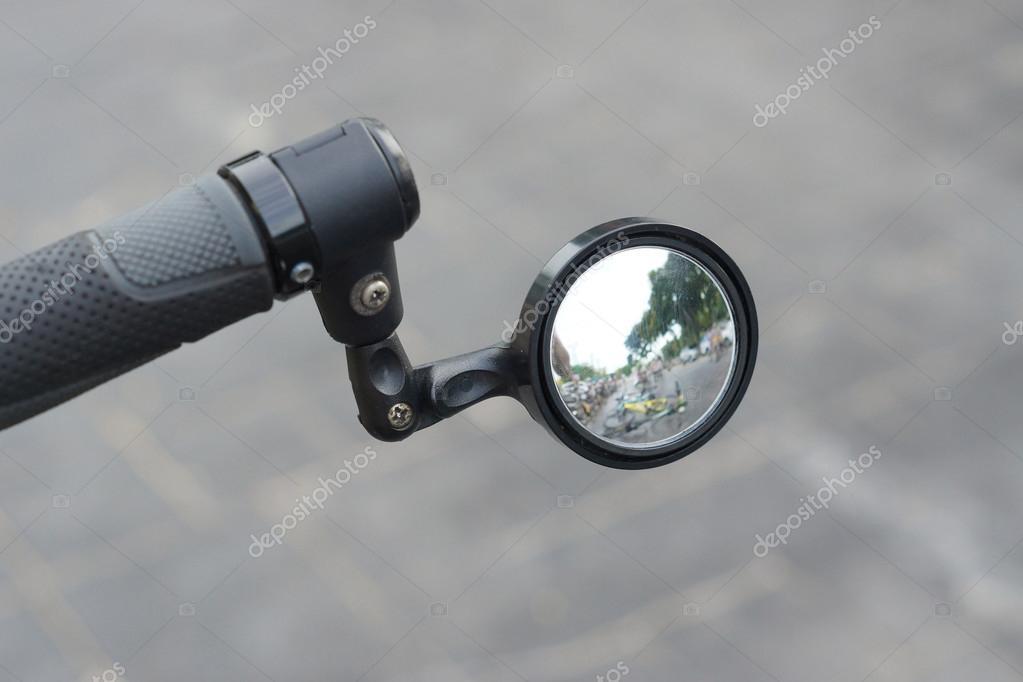 Spiegel Voor Fiets : De achterste spiegel fiets u stockfoto weerapat