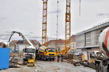 Construct a building with crane