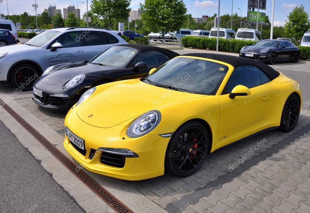 Black and Yellow Porsche 911 Carrera 4 GTS