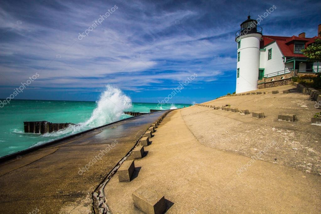 Lake Michigan Lighthouse — Stock Photo © ehrlif #121110300