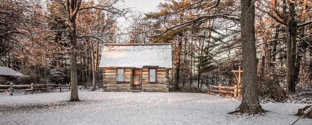 Little Log Cabin In The Woods Stock Photo Ehrlif 94099500