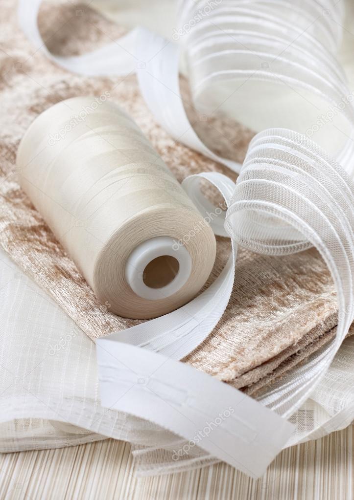 accessoires voor naaien gordijnen stockfoto