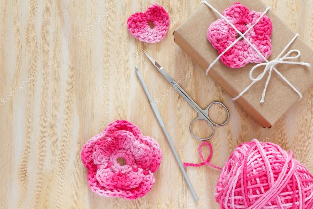 Handgemachte Rosa Häkeln Blumen Herzen Für Die Dekoration Geschenk