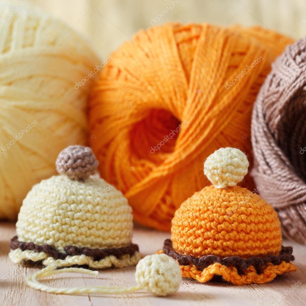 Handgefertigte bunte häkeln Spielzeug Süßigkeiten — Stockfoto ...