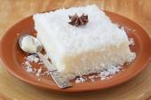 Sladký kuskus (tapioka) pudink (cuscuz doce) s kokosem