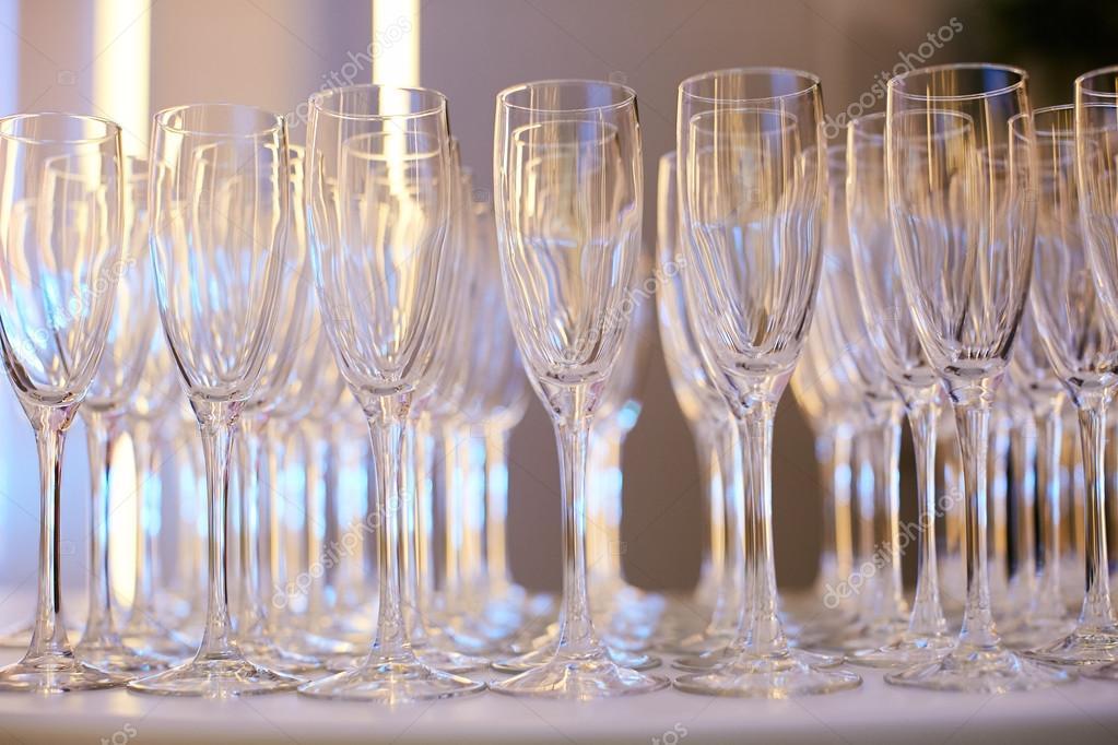 Juego De Vasos Para Bebidas Alcoholicas Fotos De Stock C Serdiukov