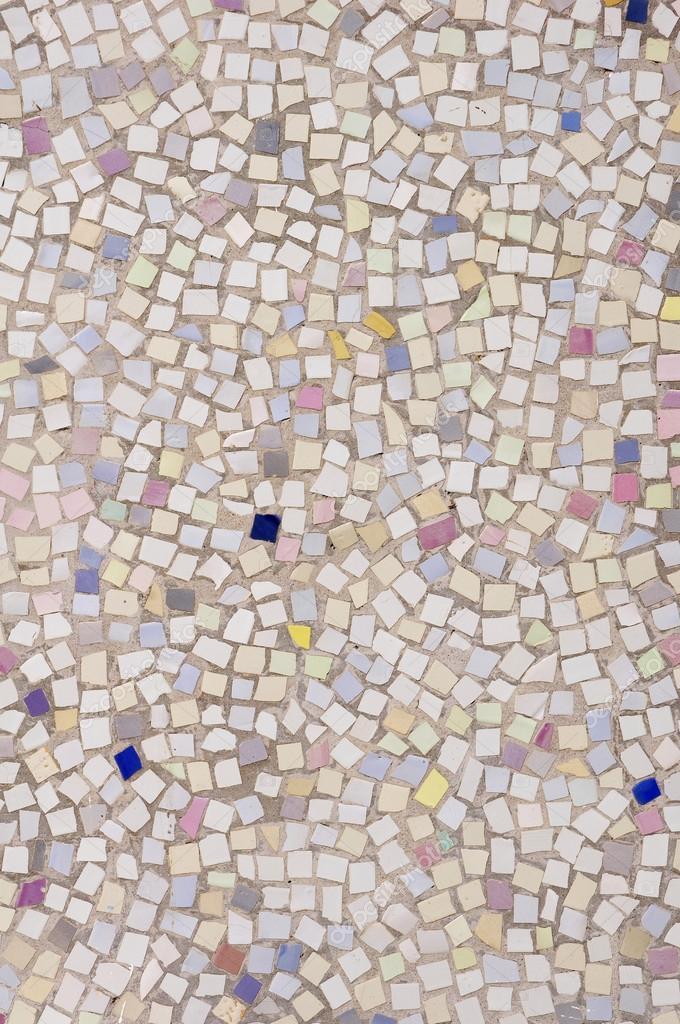 Mosaico di piastrelle rotte pezzi su muro foto stock isabela1966 53584811 - Piastrelle tipo mosaico ...