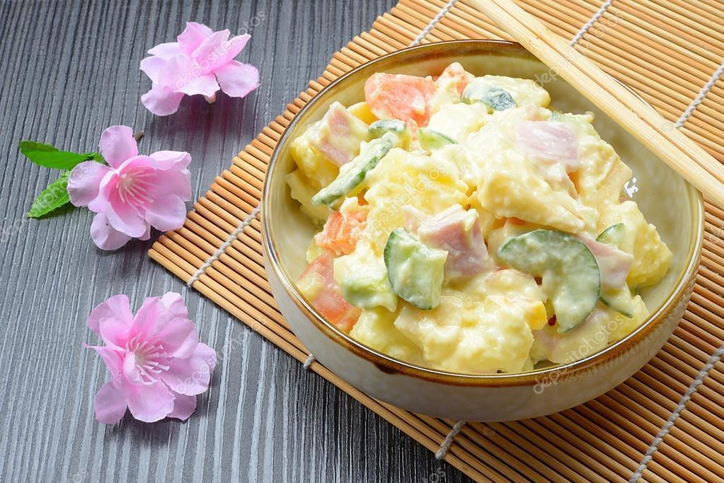 https://st2.depositphotos.com/3042873/10970/i/950/depositphotos_109707846-stock-photo-delicious-japanese-potato-salad.jpg
