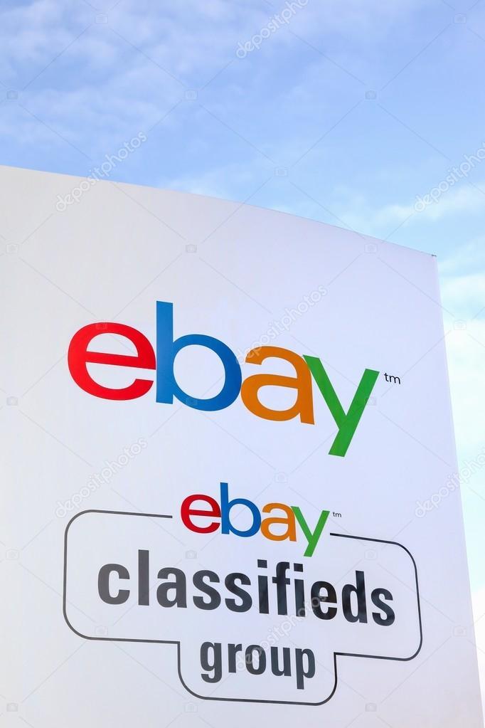 Ebay Zeichen Auf Einem Panel Redaktionelles Stockfoto C Ricochet69