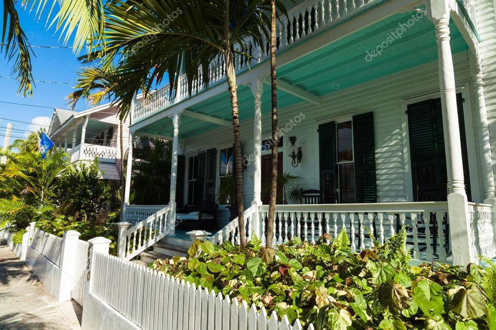Key West, Florida EUA   3 De Março De 2015: Frame De Madeira Típica  Arquitectura Casa Estilo No Bairro Residencial De Oeste Chave U2014 Foto De  Fotoluminate