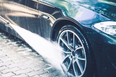Car Alloy Wheels Washing
