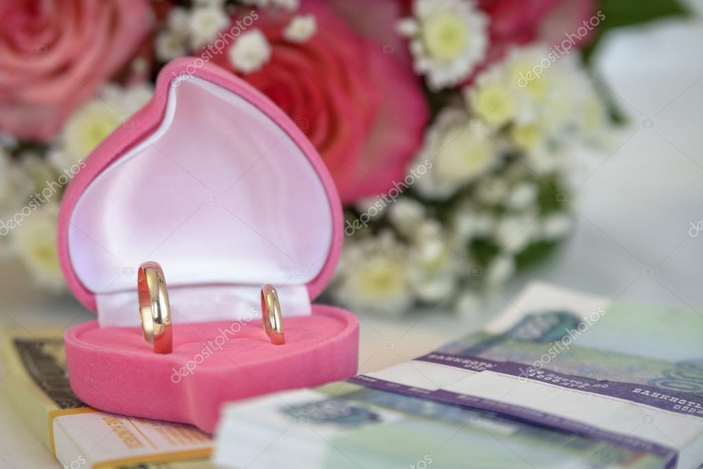 Rings casket