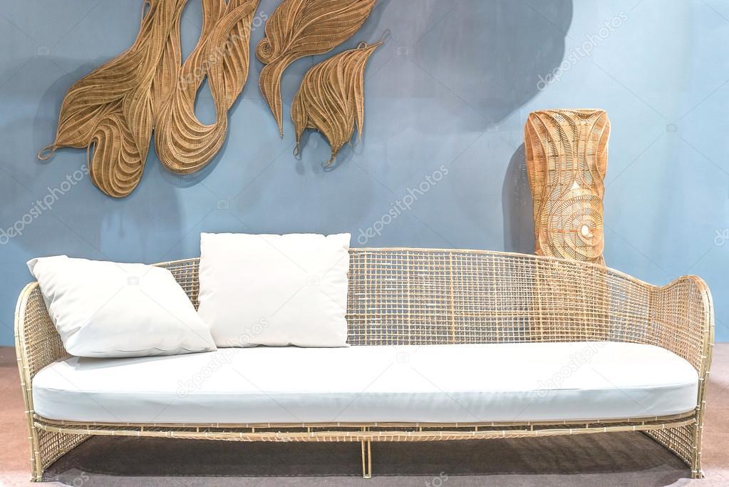 rattan sofa entspannen im wohnzimmer stockfoto ake1150sb 69271531