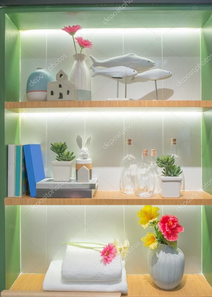 Akcesoria łazienkowe Na Półki W łazience Zdjęcie Stockowe