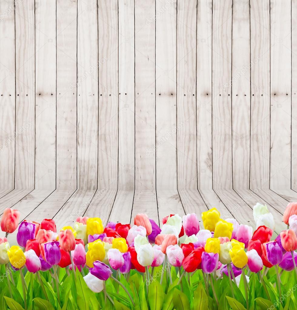 Flores De Tulipán En Fondo De Pantalla De Madera