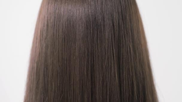 Kimutatása sima és selymes haj kiegyenesítése után egy Steampod