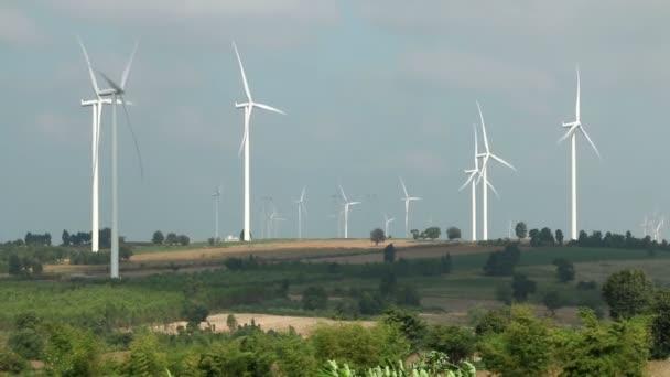 Windkraftanlagen Bauernhof