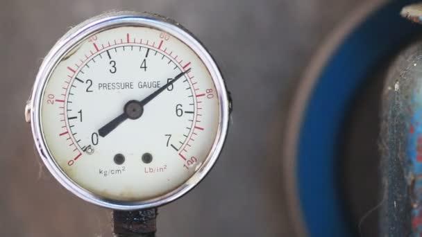 Detail měřidlo tlaku s kompresorem pracovní