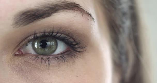 Extrémní detail zelené oko dívky