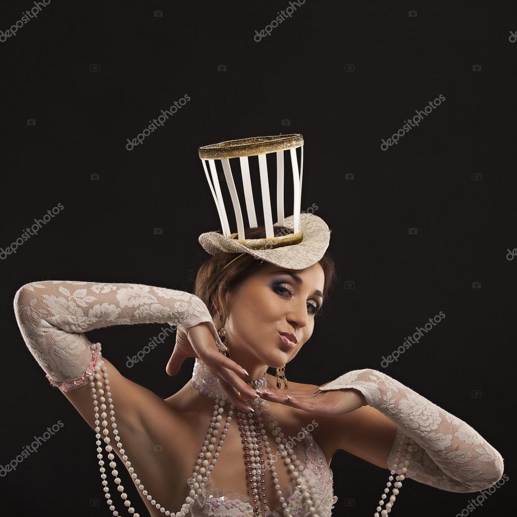 personnalisé vente à bas prix acheter bien Danseuse burlesque en robe blanche avec chapeau ...