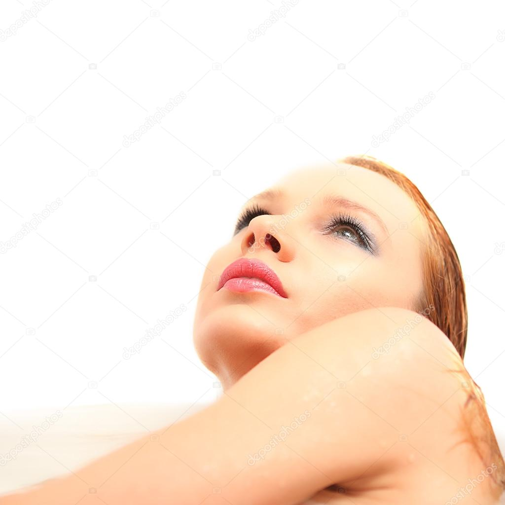 belle nudi o donne nude in bagno — Foto Stock © fenixlive #54530727