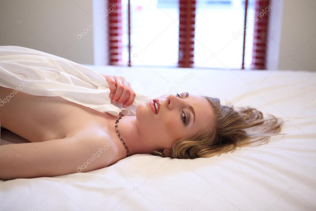 schlafende frauen nackt