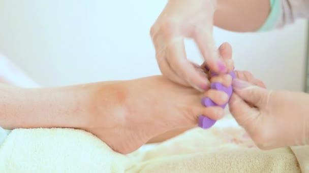 Pediküre Nageltechniker Performing Verfahren für die Fußpflege