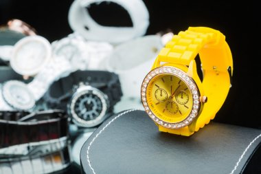 Yellow watches women, compared to other hours