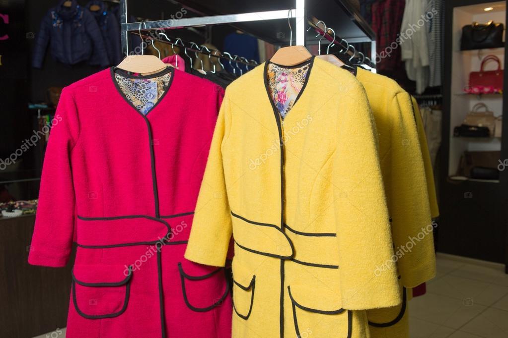 92d438cf53 ruha rack, női kabát eladó — Stock Fotó © kopitin #66381905
