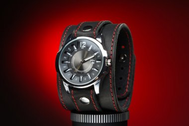 mens watches with wide leather bracelet