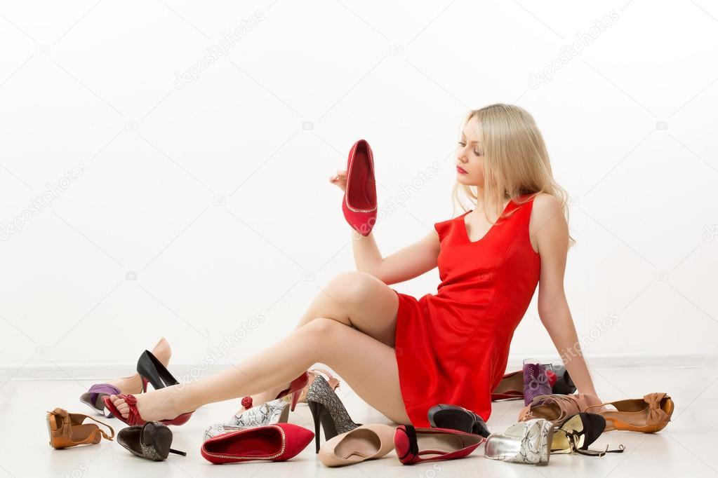23ef5bbb19d девушка в красном платье
