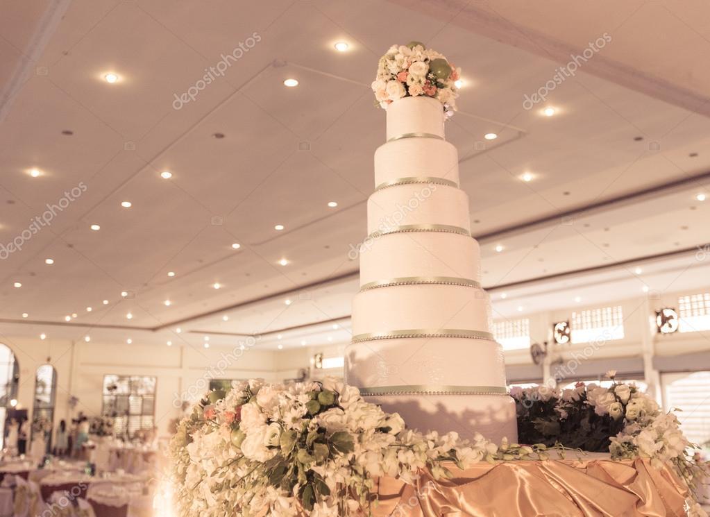 Kuchen Dekorieren Fur Hochzeitsfeier Stockfoto C Pompixs 74437917